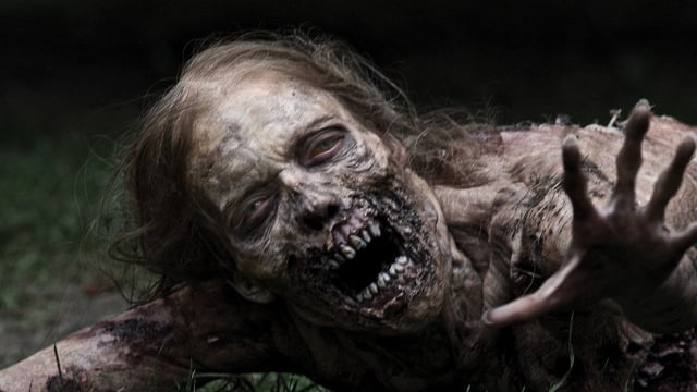 the-walking-dead-promotes-four-cast-members-to-series-regula_jhet-640