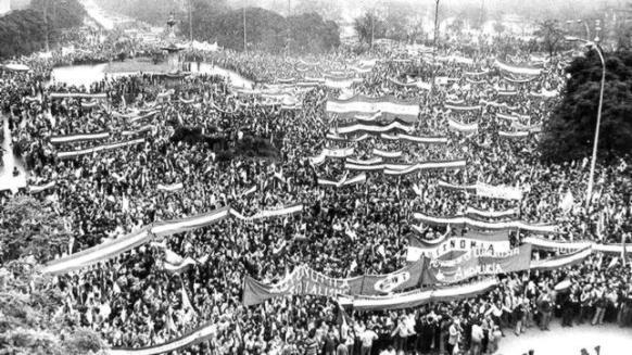 manifestacion-autonomia-sevilla-1977-644x362